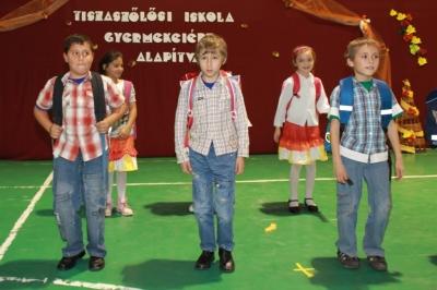 Tiszaszőlős Iskola Gyermekeiért Alapítvány alapítványi műsora